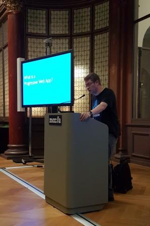 David de Microsoft au pupitre pour les PWA