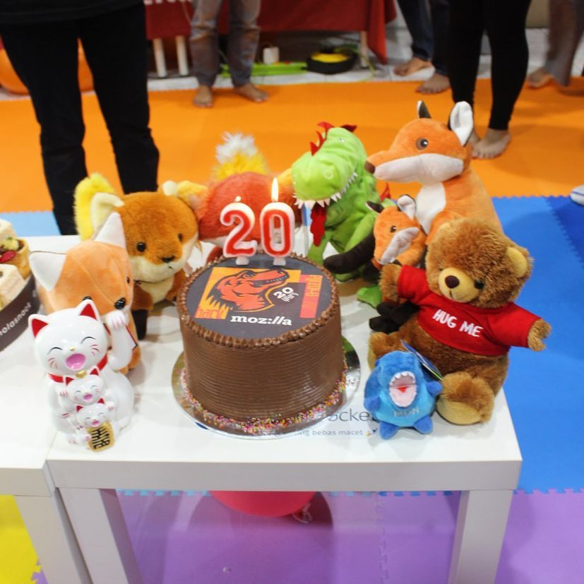 Mozilla Indonesia : 20 years – gâteau et peluches