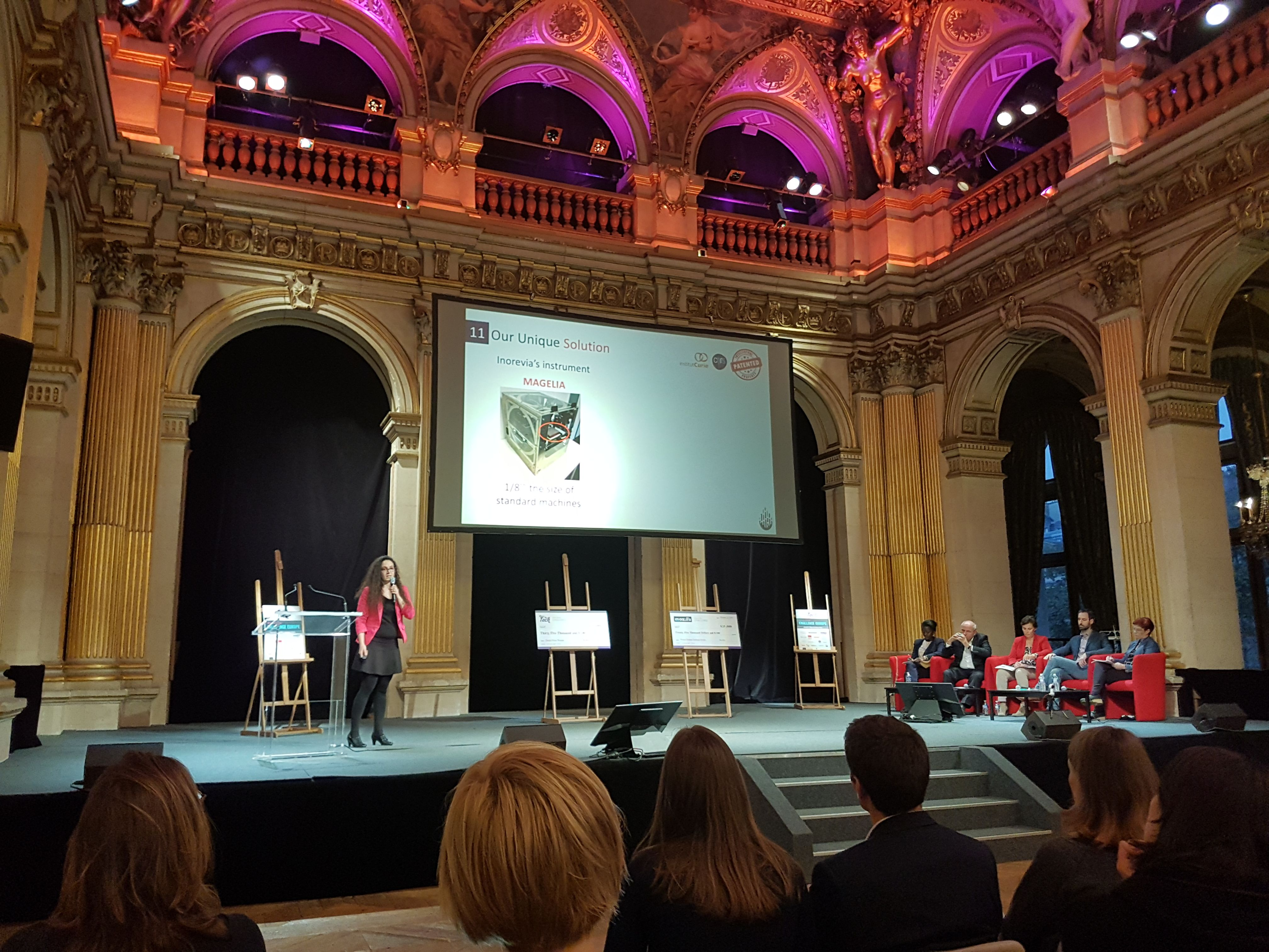 Présentation de sa startup par Amel Bendali lors du Women Startup Challenge Europe 2018